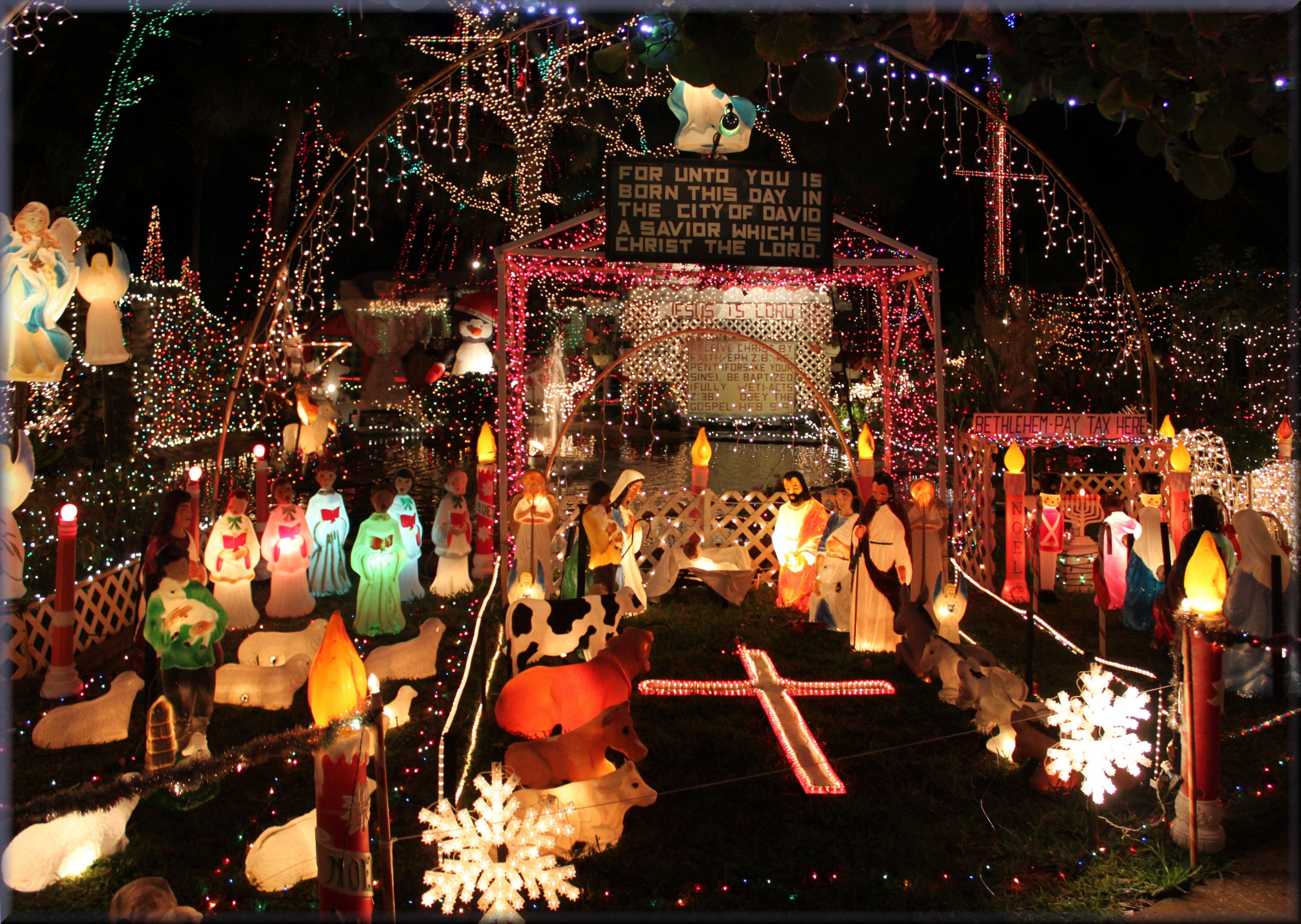 StPetersburg - Oakdale Christmas House